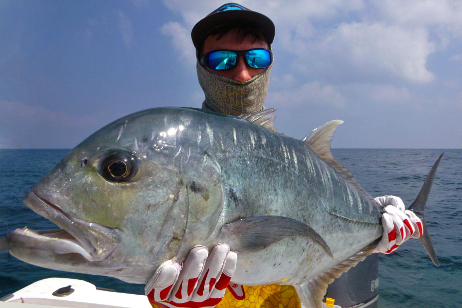 giant-trevally_popping_andaman_temple-reef-rod_shimano-tw-14000-reel_hammerhead-c-cup-popper_blake